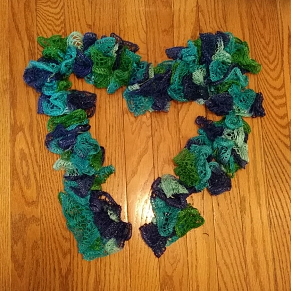 Accessories - *4 for $15*Handmade scarf